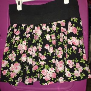 Joe Benbasset Women's: Flower Print Zipper Skirt